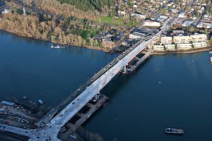 Sellwood Bridge - February 2016 aerial photo showing the nearly completed replacement bridge alongside the old bridge