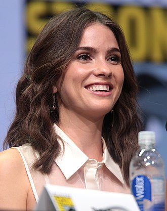 Shelley Hennig - Hennig at the 2017 San Diego Comic-Con