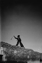 Shepherd boy slinging (LC-DIG-matpc-05262)