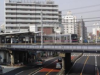 Shim-Mikawashima Station - Shim-Mikawashima Station in September 2005