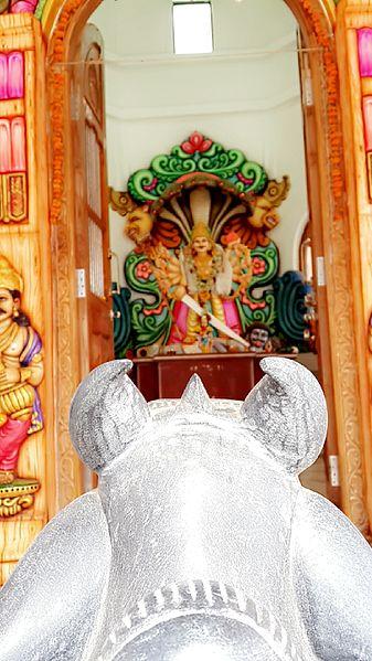 File:Shree Kshetra Veerabhadra Devasthan,Vadhav 02.jpg