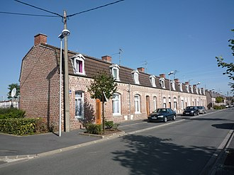 Nord-Pas de Calais Mining Basin - Image: Somain Cité De Sessevalle, coron rue Draguignan