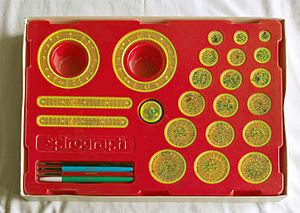 Spirograph - Image: Spirograph set (UK Palitoy early 1980s) (perspective fixed)