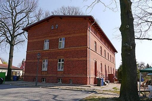 Sputendorf Ernst-Thälmann-Platz 1–4