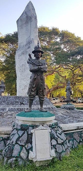 Maha Bandula - statute in Mandalay Palace