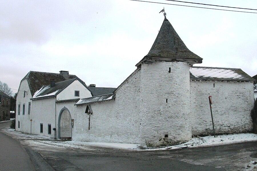 La ferme carrée à Sterpigny (commune de Gouvy, Belgique)
