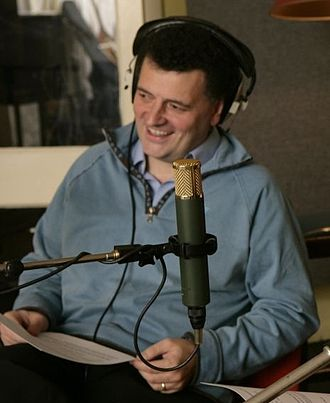 Steven Moffat - Moffat records DVD commentary for Joking Apart (2006)