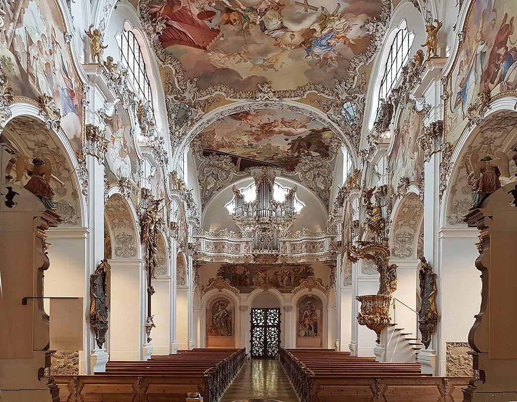 Blick nach Westen im Innenraum der Stiftskirche Steingaden (Welfenmünster)
