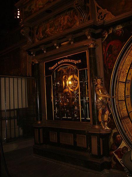 File:Straßburg Cathédrale Notre-Dame Innen Astronomische Uhr 5.JPG