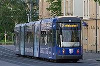 Straßenbahnwagen 2813 Dresden.jpg