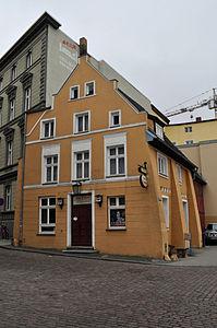 Stralsund, Fährstraße 17, Ecke Fährwall (2012-03-11), by Klugschnacker in Wikipedia.jpg