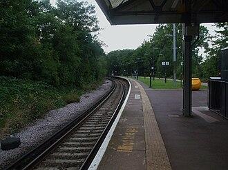 Sutton Common railway station - Image: Sutton Common stn northbound