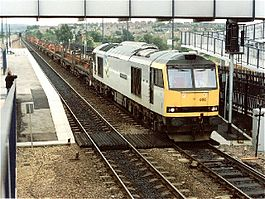 Swinton (South Yorkshire) railway station in 1991.jpg