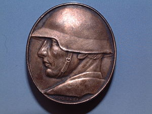 Military history of Switzerland - Medal issued to raise funds for Swiss soldiers and their families. M1918/40 helmet