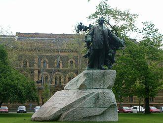 György Zala (sculptor) - Ferenc Deák monument in Szeged