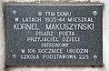 Tablica Kornel Makuszyński ul. Grottgera 9A w Warszawie.JPG