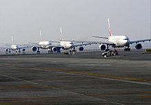 Taxiing Airplanes at DXB on 13 November 2007.jpg