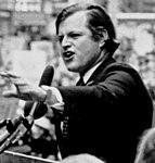 Ted Kennedy speaking (5278799115).jpg