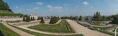 Terrasse du Château, Parc de Saint-Cloud 140411 2.jpg
