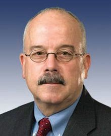 Terry Gainer, official photo as Sergeant at Arms, 2007.jpg