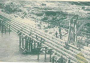 Goulburn Weir - The Goulburn Weir under construction November 1889.