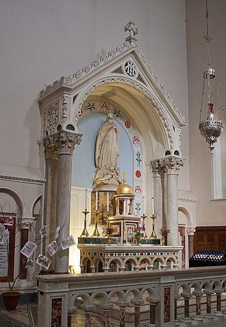 Cathedral of the Assumption, Thurles - Image: Thurles Cathedral East Transept Altar 2012 09 06