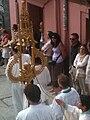 Tintinábulo en la procesión del Corpus de Burgos, 2014.jpg
