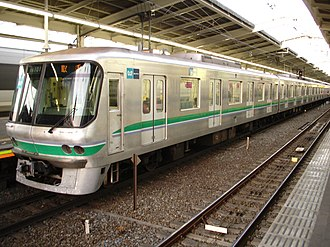 Tokyo Metro 06 series - The 06 series train at Yoyogi-Uehara Station in February 2007