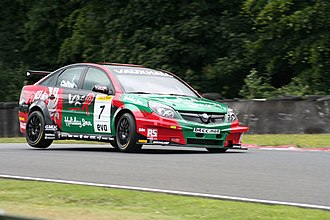 Tom Chilton - Chilton driving for VX Racing at Oulton Park during the 2007 BTCC season.