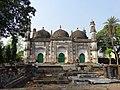 Tomb of Nawab Sharfaraz Khan at Naginabagh.jpg
