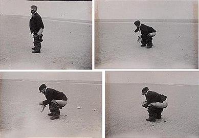 Toulouse-Lautrec defecating 1898.jpeg