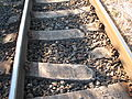 Trať 092, detail rozbitých pražců u Netřeby.jpg