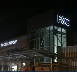 Tri-Cities Airport (Washington) - Image of the terminal at night