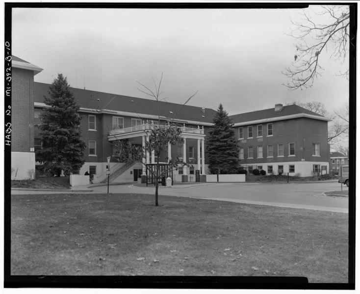 File:U.S. Veterans Bureau Hospital No. 100, Building No. 2, 5500 Armstrong Road, Battle Creek, Calhoun County, MI HABS MICH,13-BATCR,5B-10.tif