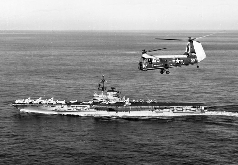 File:USS FD Roosevelt (CVA-42) with UH-25C 1963.jpeg