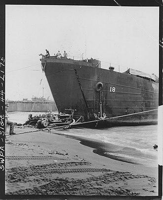 USS LST-18 - Image: USS LST 18