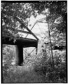VIEW LOOKING NORTHWEST OF LALLEY COLUMNS AT THE JUNCTION OF PONY AND CAMELBACK TRUSSES - Boyleston Bridge, Spanning Skunk River, Lowell, Henry County, IA HAER IOWA,44-JACTOS,1-18.tif