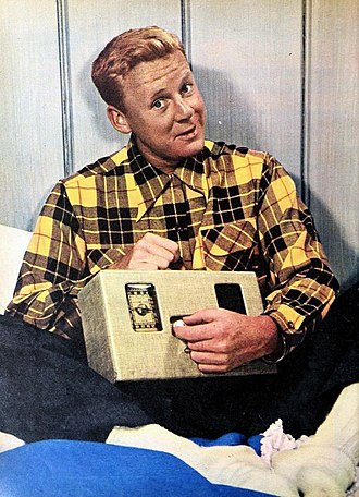 Van Johnson - Johnson in Modern Screen Magazine (1946)