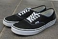 Vans Authentic schwarz.jpg