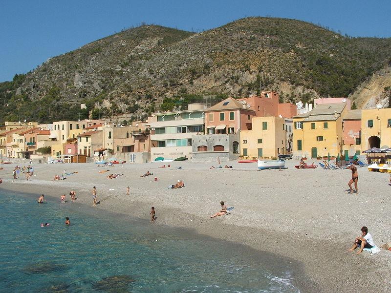 Matrimonio Spiaggia Varigotti : File varigotti dscf g wikimedia commons