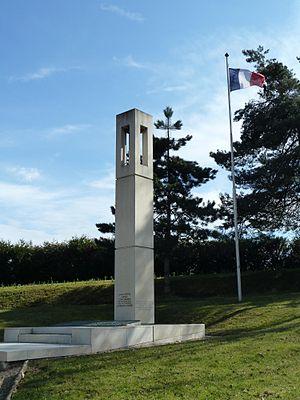 Cimetière des Gonards - Image: Versailles Gonards Monument Afrique du Nord