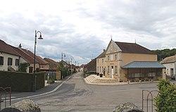 Vesaignes-sous-Lafauche Village.jpg