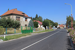 Vestec, road No. 329.jpg