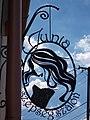 Veszprém 2016, Kupa utca, Junia szépségszalon cégér.jpg