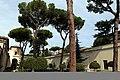 Villa giulia, giardino all'italiana con pini romani 02.jpg