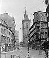 Vodickova ulice, hátul az Újvárosi városháza tornya. Fortepan 7362.jpg