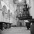 Voorbereidingen. De Nieuwe Kerk werd inwendig onherkenbaar veranderd. Een houten, Bestanddeelnr 255-7275.jpg