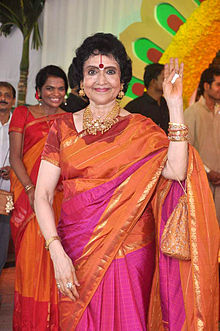Vyjayantimala at Esha Deol's wedding at ISCKON temple 19.jpg