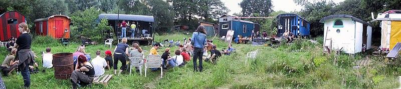 File:Wagenburg Wagabanda.jpg