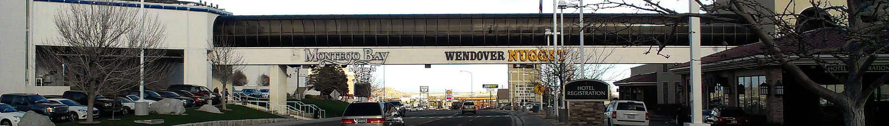 The skybridge over Wendover Boulevard, near the state border